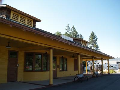 Colfax depot on the Southern Pacific image